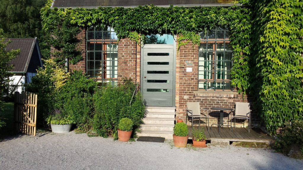 Steinhaus, Eingang, Foto: Lisa Demmer