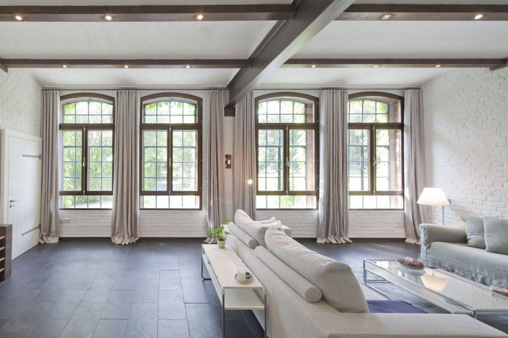 Obenrüdener Kotten, Haupthaus, Wohnzimmer, Sprossenfenster, Foto: Sonja Speck