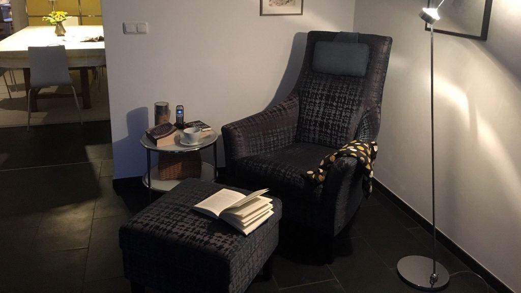 Wohnraum im Obenrüdener Kotten, Sessel, foto: Lisa Demmer